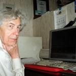 Святослав Сергеевич Лавров дома за рабочим столом. Марта 2004 года. Cнимок сделан 4-летним внуком